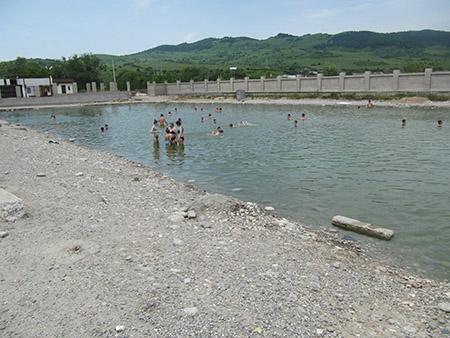 Озеро с минеральной водой